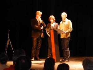Rémy, accompagné d'Olivier Curel maire d'Apt et de Catherine Destivelle, la marraine de son projet
